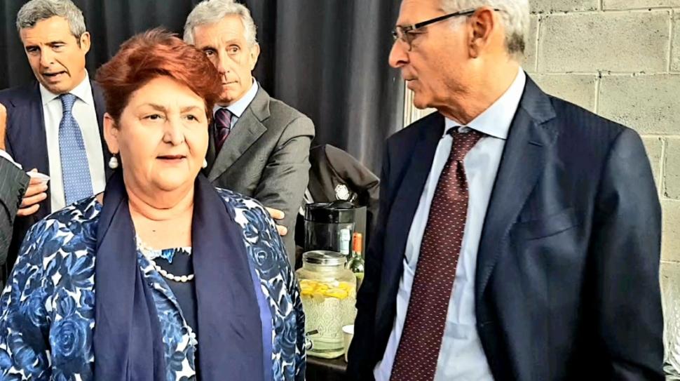 La settimana della cucina italiana nel mondo - da sx: il ministro dell'Agricoltura Bellanova e il presidente di UIV Ernesto Abbona